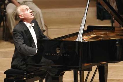 Maucio Pollini en un concierto