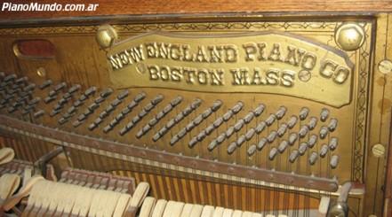 El piano de John Lennon se subasta