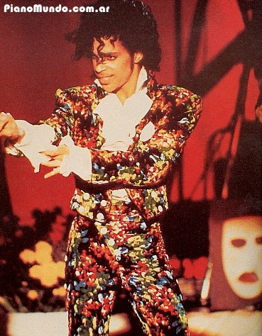 Prince durante un concierto